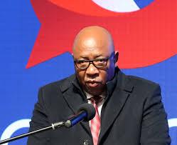 Communications-Minister-Chief_Thesele-Maseribane