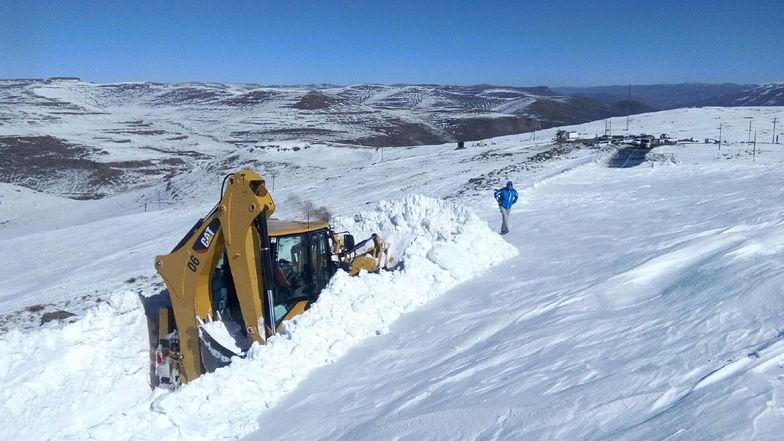 Heavy-snow-falls-Lesotho-experiences-in-winter.